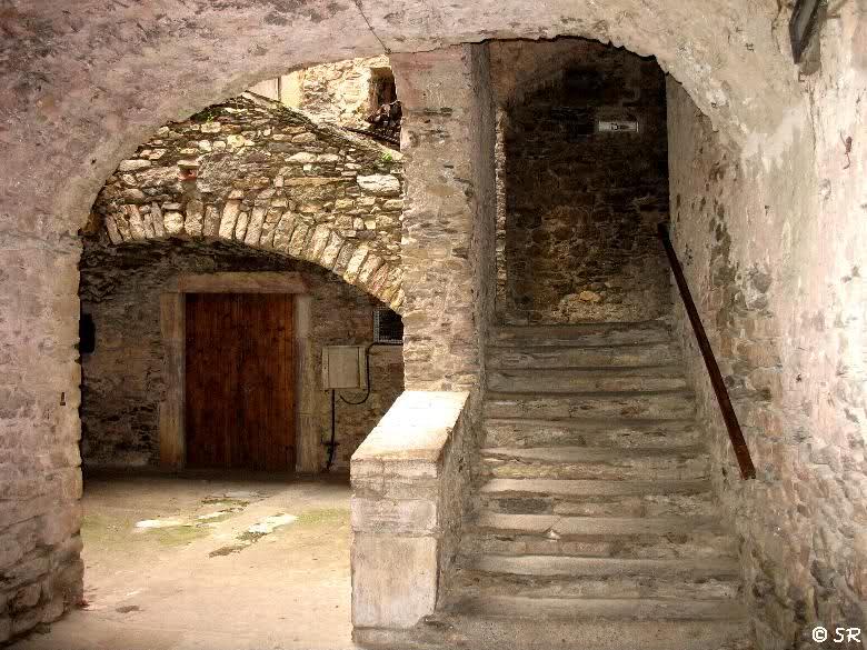 Vieille maison en pierre maison fran ois fabie for Vieille maison en pierre