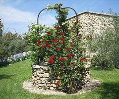 Voici Une Sélection Décoration Extérieur Jardin Ou Maison Pour Vous U003cu003cu003cu003c.  Puit Decoratif Jardin