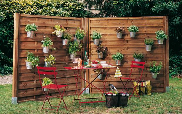 decoration des jardins et les murs exterieures maison