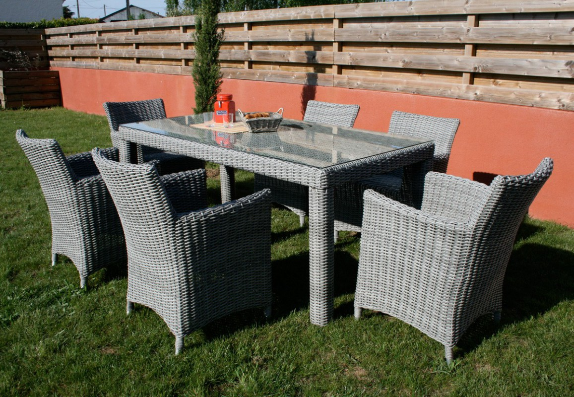 awesome salon de jardin table ronde resine tressee. Black Bedroom Furniture Sets. Home Design Ideas