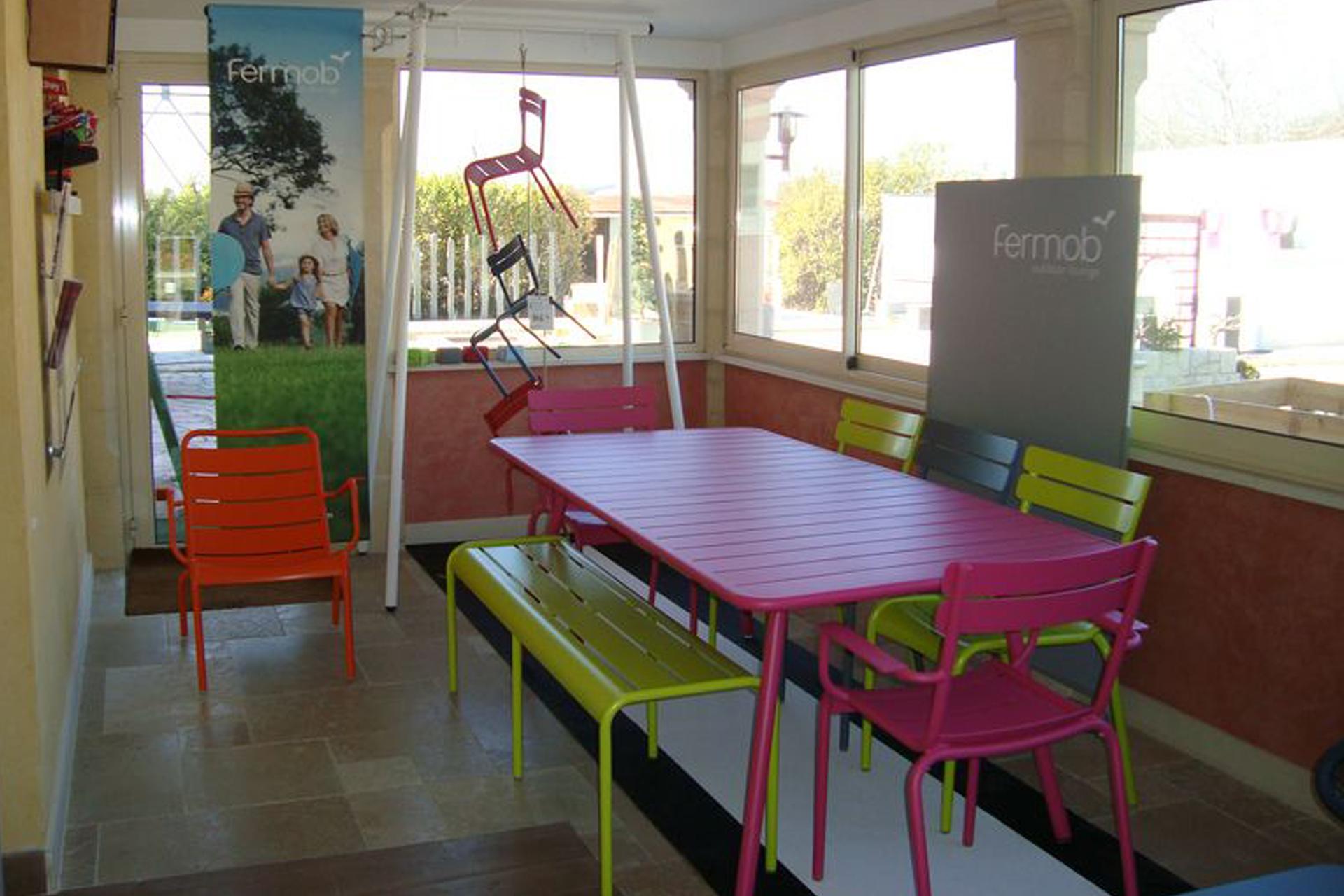 Mobilier jardin couleur - Maison François Fabie