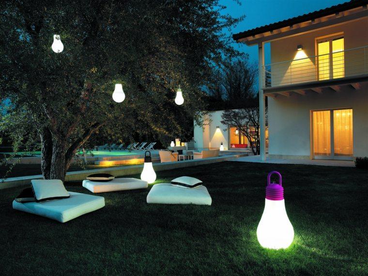 deco lumiere exterieur maison fran ois fabie. Black Bedroom Furniture Sets. Home Design Ideas