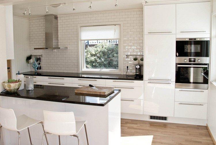 cuisine plan de travail noir maison fran ois fabie. Black Bedroom Furniture Sets. Home Design Ideas