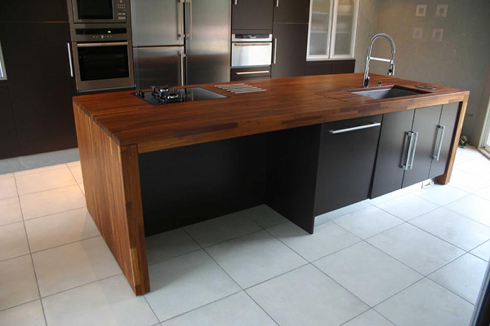plan de travail large maison fran ois fabie. Black Bedroom Furniture Sets. Home Design Ideas